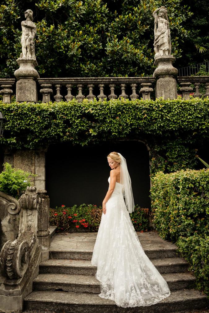 bride posing wedding garden lake como
