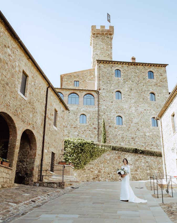 bride walking castello banfi montalcino