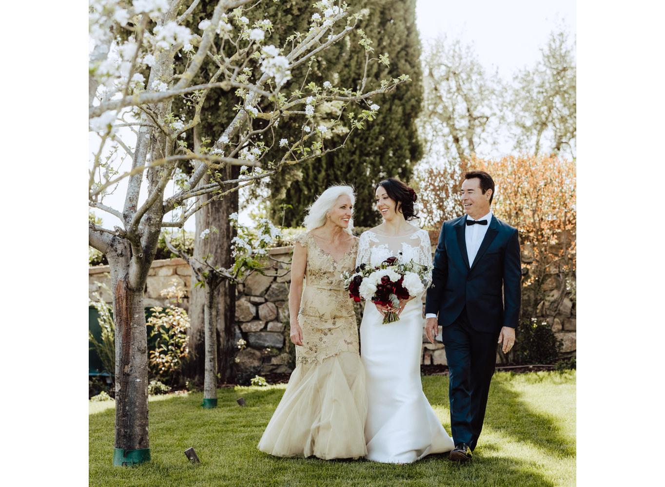 bride with parents castello di montalcino