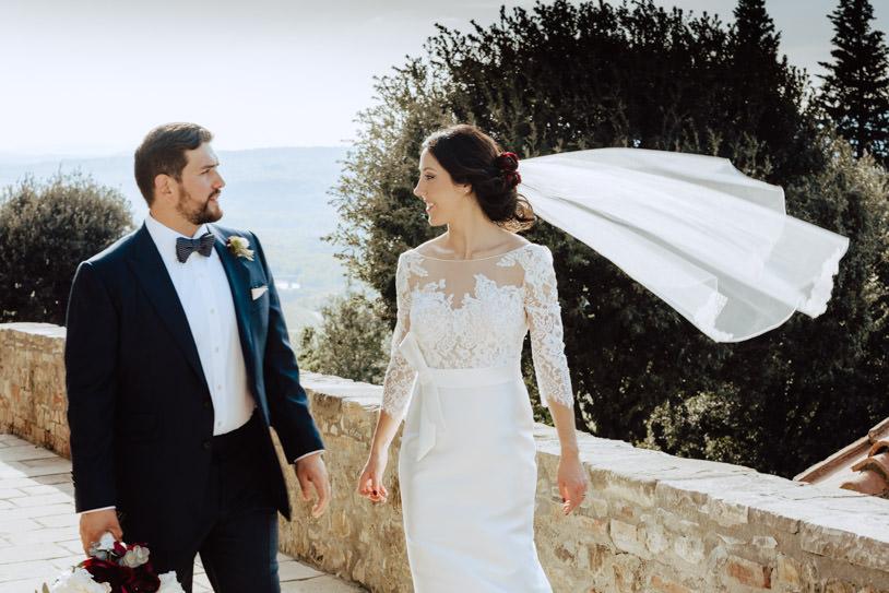 bride with veil castello di montalcino wedding