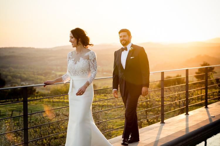 couple sunset wedding castello di montalcino