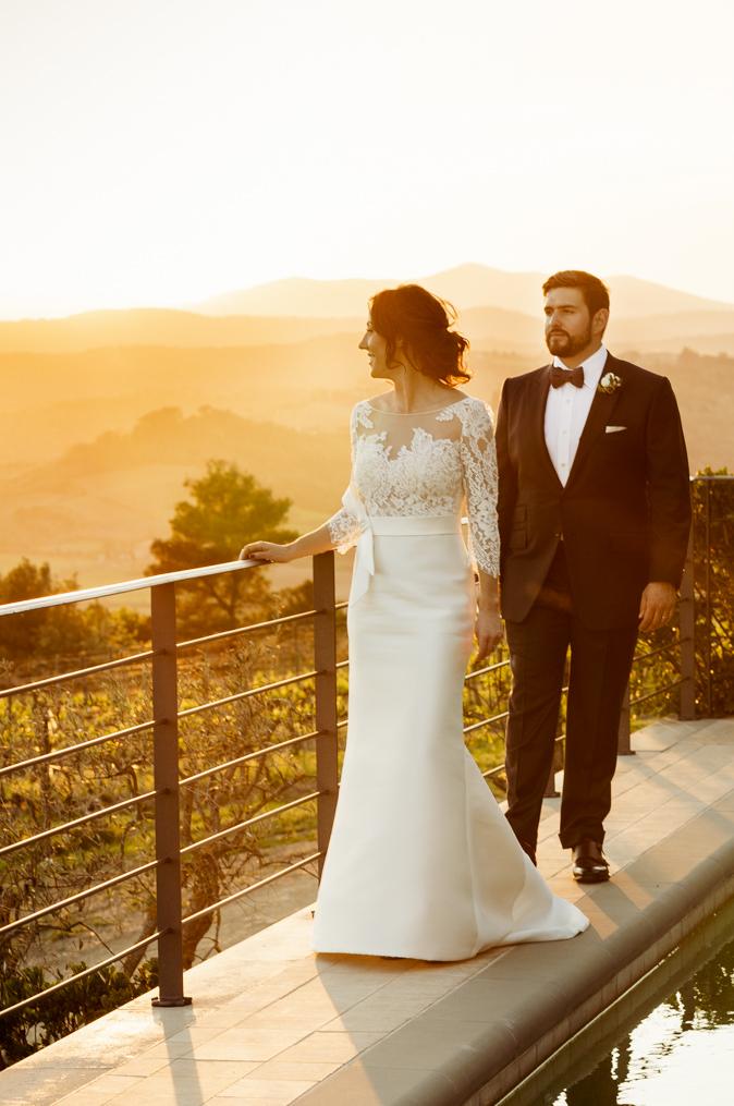 couple sunset wedding tuscany