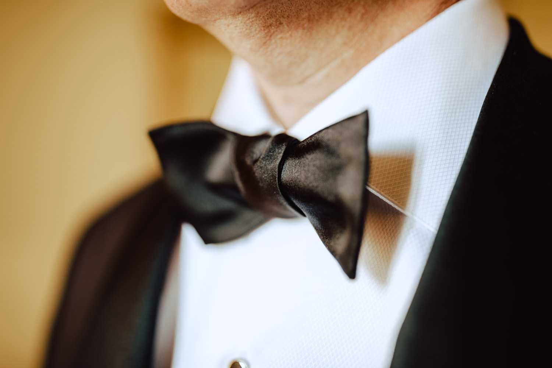groom bow tie preparation villa d'este lake como