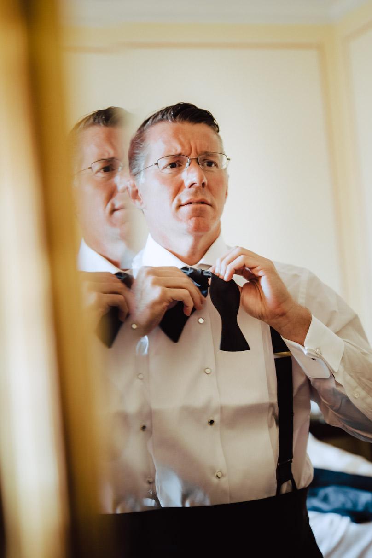 groom preparation wedding villa d'este