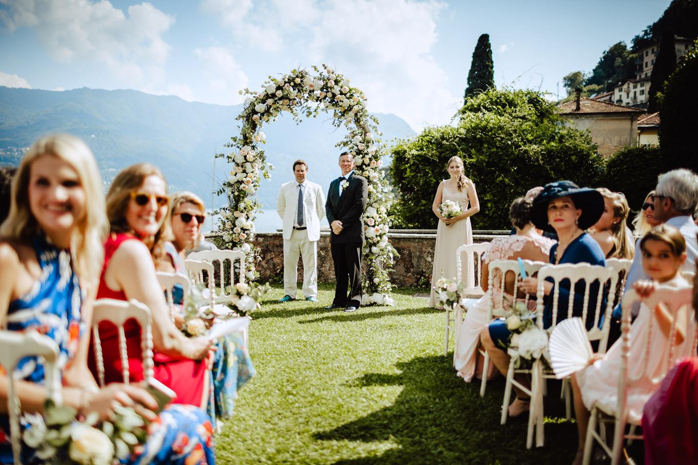 groom waiting for bride at ceremony villa regina teodolinda
