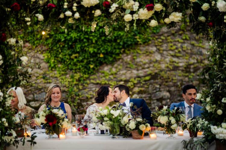 kiss wedding dinner tuscany