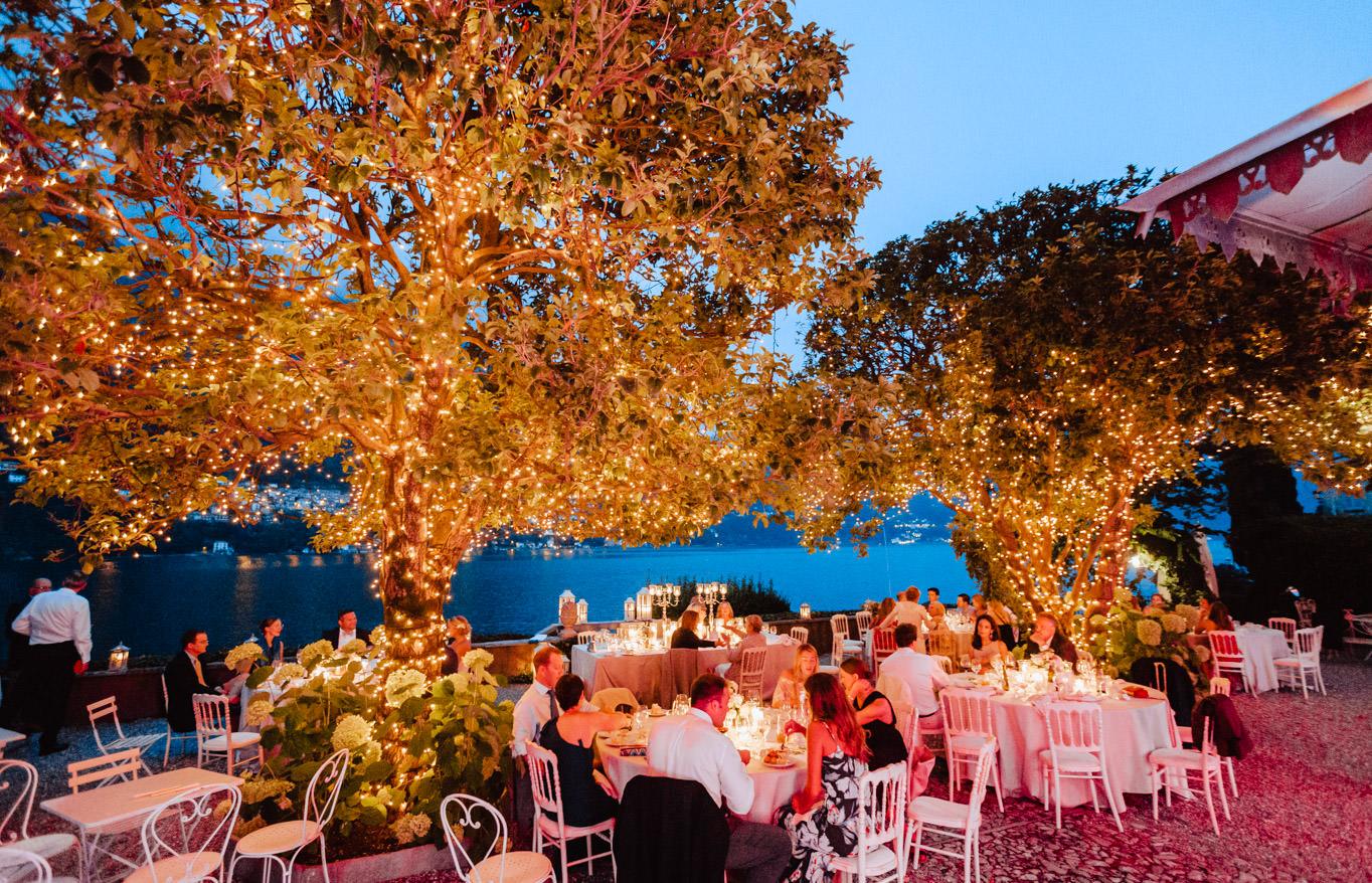 night view wedding dinner villa regina teodolinda