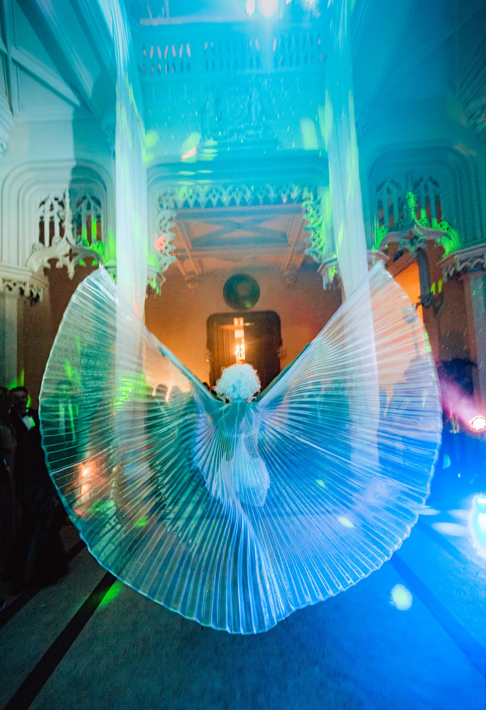 wedding show artist chateau at night