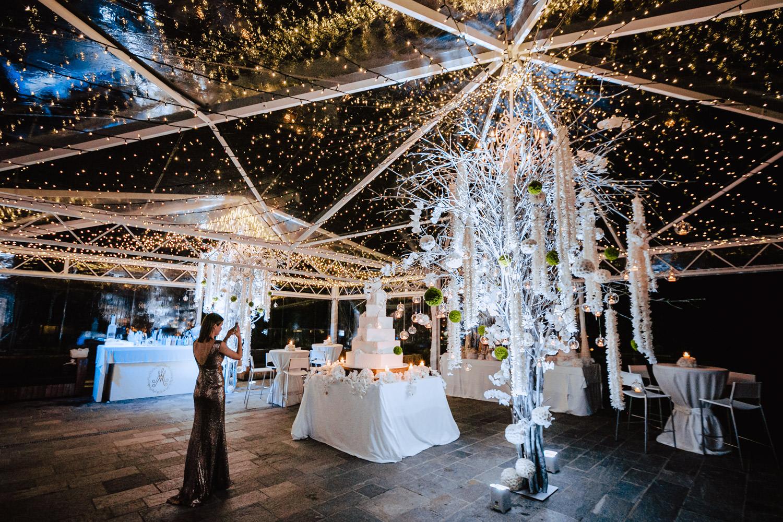 winter garden arrangement wedding cake alpina dolomites hotel