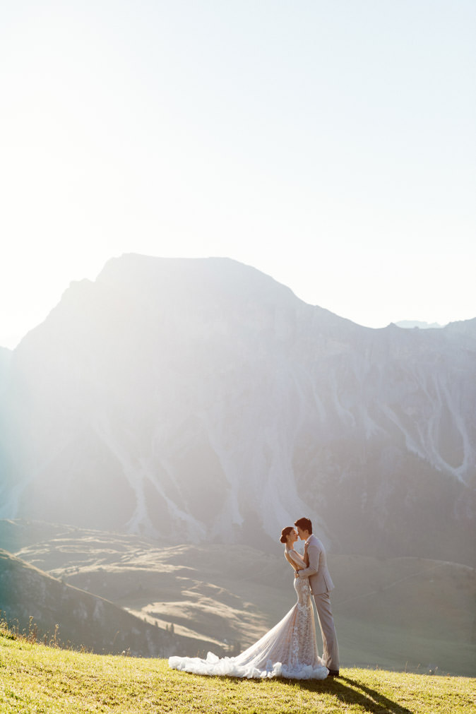 janice man pre wedding mountains italy
