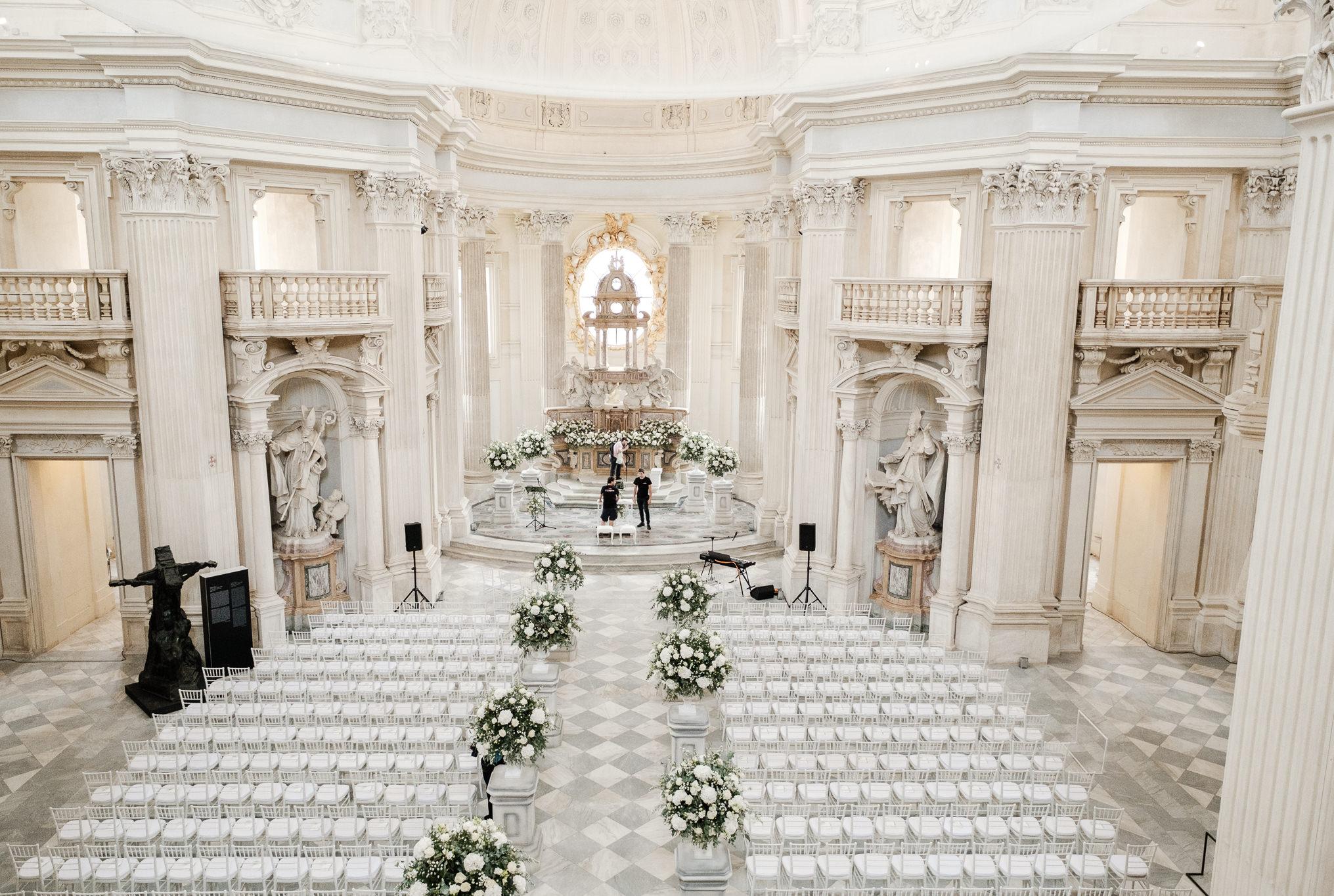 venaria reale church wedding setup