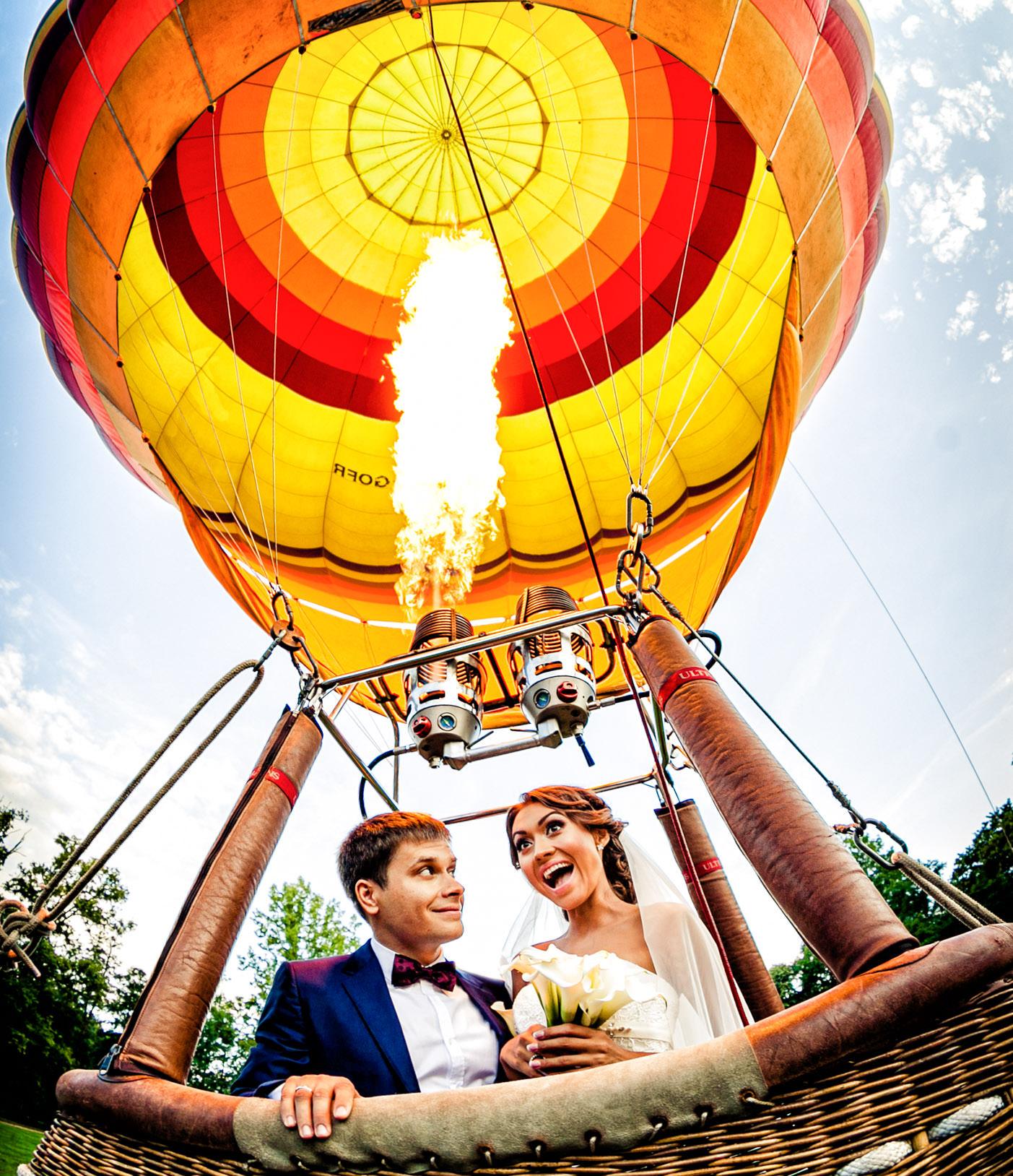 wedding hot air balloon